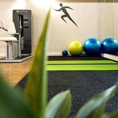 Physiotherapie-Fitnessraum-Praxis.jpg