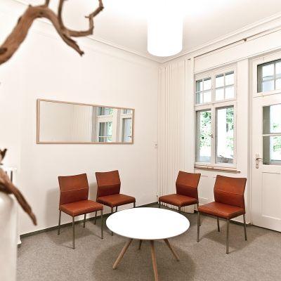Anwaltskanzlei-Einrichtung-Interiordesign-Wartezimmer.jpg