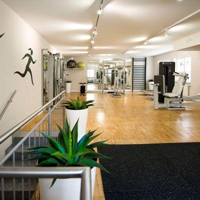 Fitnessraum-Einrichtung-Praxis.jpg